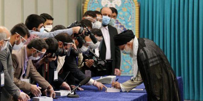 L'Iran élit son président, l'ultraconservateur Raïssi part gagnant d'avance.. Vidéo