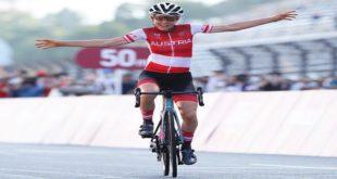 Tokyo 2020 – Cyclisme (F): L'improbable boulette d'Annemiek van Vleuten.. Vidéo
