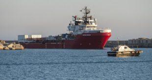 L'Ocean Viking réclame à l'UE un port d'urgence pour débarquer 572 migrants